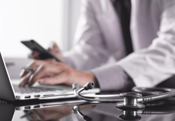 custom healthcare solutions reviews